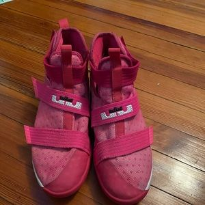 """lebron zoom soldier 10's """"think pink"""""""